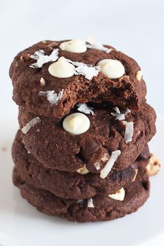 YUMMY chocolate coconut cookie recipe made with coconut oil!