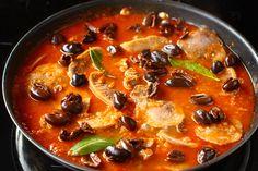 Limbă cu măsline și sos de roșii | Rețete - Laura Laurențiu Artisan Food, Thai Red Curry, Carne, Chili, Soup, Meat, Cooking, Ethnic Recipes, Kitchens