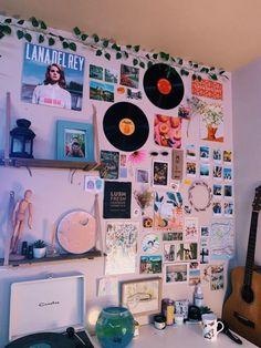 Cute Room Ideas, Cute Room Decor, Indie Room Decor, Indie Dorm Room, Picture Room Decor, Diy Room Decor Tumblr, Picture Walls, Photo Walls, Boho Decor