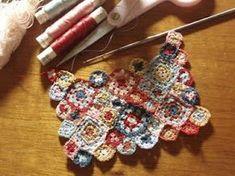 Hanna & The Lion: August 2011 Crochet Squares, Crochet Granny, Crochet Motif, Crochet Flowers, Knit Crochet, Crochet Patterns, Minis, Miniature Crafts, Handicraft