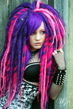 Bright Dreads -  i need to figure out how to get my hair to look like this!! (synthetic)