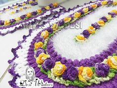 Artes da Desi: Jogo de Banheiro Brinco de Princesa de crochê
