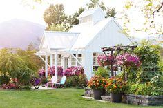 Meadowbrook Farm  --  This is the most gorgeous place with a pond and a lovely, sweet caretaker. My most favorite blog. [Pinned: 12/28/2014]