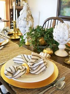 A Stroll Thru Life: Entertaining - Basic Must-Have's For Setting A Pretty Table