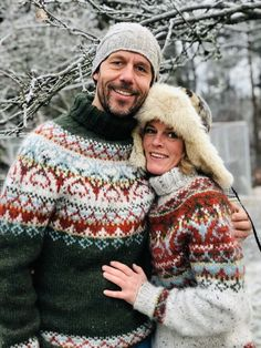Fair Isle Knitting Patterns, Sweater Knitting Patterns, Knitting Designs, Knitting Sweaters, Sock Knitting, Knitting Tutorials, Free Knitting, Mens Knit Sweater, Nordic Sweater