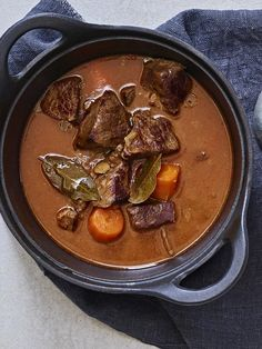 Thai Red Curry, Beef Recipes, Food And Drink, Keto, Dishes, Baking, Vegetables, Ethnic Recipes, Drinks