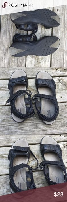 Clarks sandals Slightly used in very good condition Clarks sandals Clarks Shoes Sandals