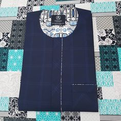 African Shirts For Men, African Attire For Men, African Men, Suit Fashion, Mens Fashion, Fashion Outfits, Pocket Square Folds, Mens Clothing Styles, Men's Clothing