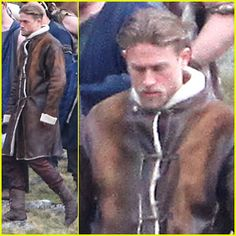 Charlie Hunnam as King Arthur – First On Set Photos!