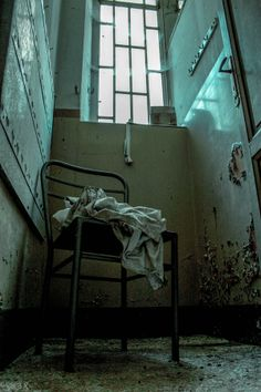 Asylum--the rooms they don't want you to see. Haunted Asylums, Abandoned Asylums, Abandoned Buildings, Abandoned Places, Haunted Houses, Mental Asylum, Insane Asylum, Dark Tales, Creepy