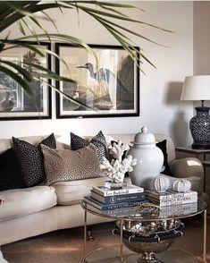 The Hidden Truth About Elegant Decor Living Room Decor Ideas Modern What Everybody Dislikes About Elegant Decor Living Room Decor Ideas Modern and Why Make the way that you entertain part of your home decor. Nothing more than a home… Continue Reading → My Living Room, Interior Design Living Room, Home And Living, Living Room Designs, Living Room Decor, Interior Exterior, Home Interior, Interior Paint, Home Decor Styles