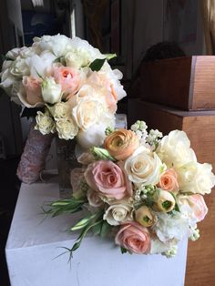 Lily pad bridal and maids  bouquets
