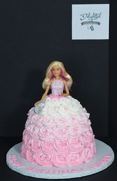 Barbie Doll Birthday Cake, 4th Birthday Cakes, Barbie Party, Bolo Barbie, Barbie Cake, Girl Cakes, Party Cakes, Cake Decorating, Bodo