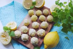 Raw Lemon Bites with Coconut & Baobab Healthy Desserts, Raw Food Recipes, Vegan Energy Bars, Lemon Coconut, Coconut Oil, Whole Food Diet, Healthy Treats, Healthy Eating, Smoothie Bowl