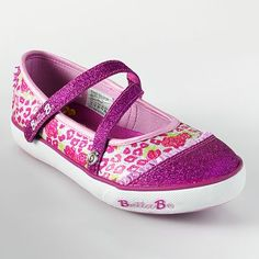 the sketchers bella ballerina shoes kayla is wanting!!