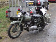 CW15-05 Triumph  military bike