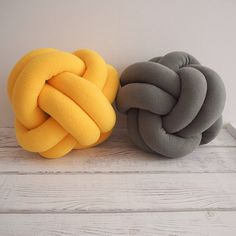 Yellow knot pillow от deloartamonovoj на Etsy