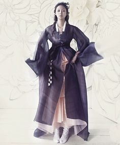 Modernised hanbok in deep purple against soft pastel pink. Transparent fabrics layered on top of one another creating voluminous bottom half of figure. Look into sleeve treatments and neckline finishes. [design.co.kr]