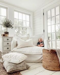 texture, Cozy Fall Textures – Autumn home decor finds What is Decoration? Decoration may be the art of decorating the … Home Living, My Living Room, Living Room Decor, Living Room Lounge Chair, White Living Room Chairs, White Chairs, Decor Room, Small Living, Modern Living