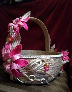 Пасхальная корзинка (моя работа) Jute Crafts, Basket Decoration, Handmade, House, Ideas, Strands, Kitchen, Stuff Stuff, Twine Flowers