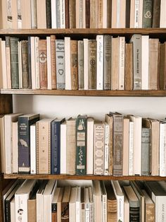 Favorite books to add to your home library - Favorite books to add to your home library - Cream Aesthetic, Brown Aesthetic, Aesthetic Light, Images Esthétiques, New Wall, Book Photography, My New Room, Retro, Picture Wall