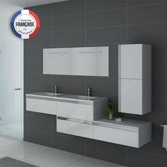Bel ensemble double vasque blanc gloss avec meuble sous vasque 2 placards à tiroirs push open puis le même caisson, un plan double vasque en marbre artificiel blanc, un miroir et une colonne murale