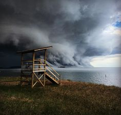 Afternoon thunderstorm rolling into Marquette, Michigan #puremichigan
