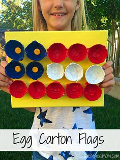 Egg carton flag craft. Perfect for 4th of July, in the classroom, or just a fun repurposing project!