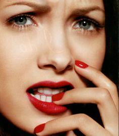 8 dicas para você para de roer as unhas! http://www.feminices.blog.br/8-dicas-para-te-ajudar-parar-de-roer-unhas/