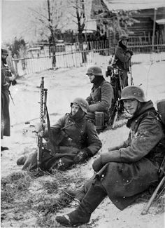 The Wermacht en route to Moscow. The winter has arrived. The troops have no winter clothing; note coats from light wool, leather boots with no insulation, and scarves to protect faces from temps as low as 40 degrees Celsius.