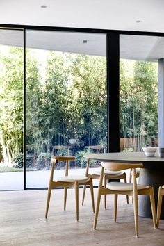 wall of glass and bamboo. Elwood House by Matyas Architects.