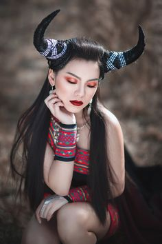Photographer: Houa Vang Designers/Hairpiece: Houa Vang and Linda Vang Hair/Makeup: Nou Yang - BEAUTY BY NOU Model: Nicky Lo