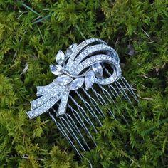 Sparkling Lisner Vintage Rhinestone Brooch Hair Comb by Bel Canto - love their vintage hair combs