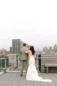 Real Weddings: Meet Jenn | Dress: Carol Hannah Archdale | Images: City Love Photography