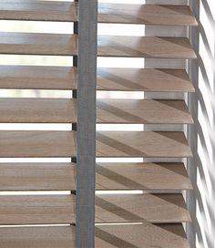 Maak gebruik van een contrasterende kleur ladderband van uw houten jaloezie om…