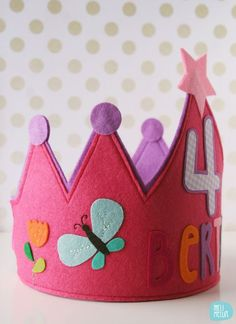 Berta's felt crown // by melimelum Birthday Badge, Birthday Diy, Birthday Parties, Sewing For Kids, Diy For Kids, Crafts For Kids, Felt Crafts, Diy And Crafts, Arts And Crafts