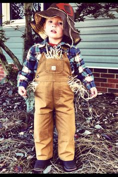 A very cute homemade scarecrow costume for kids children 3 halloween scarecrow costume for boys solutioingenieria Gallery