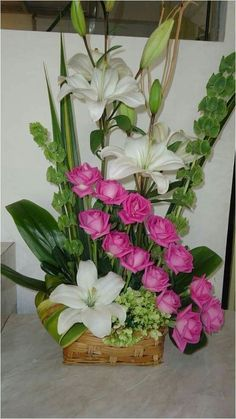 Among the absolute most beautiful and sophisticated kinds of plants, we carefully picked the matching types and changed them in to a unique design. You can purchase plants from our website and it is s Altar Flowers, Church Flowers, Funeral Flowers, Silk Flowers, Arrangements Ikebana, Tropical Floral Arrangements, Large Flower Arrangements, Exotic Flowers, Tropical Flowers