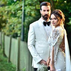 ❤️ wedding bridal hair look Afghan Wedding Dress, Wedding Couples, Wedding Photos, Elite Model, Allure Couture, Wedding Couple Poses Photography, Berta Bridal, Chiffon, Wedding Preparation