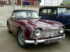 Vintage Sports Cars, British Sports Cars, Classic Sports Cars, Vintage Cars, Classic Cars, Triumph Auto, Triumph Tr3, Triumph Sports, Tr 4
