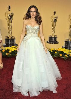 Sarah Jessica Parker's poufy princess Dior, showing off cleavage, at the 2009 Oscars.