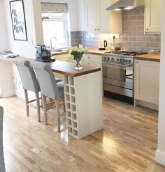 small shaker kitchen … I've looked at 5 diff photos of this space and can't find where the fridge is … Kitchen Diner Extension, Open Plan Kitchen, Kitchen Layout, New Kitchen, Kitchen Design, Kitchen With Bar Counter, Small Kitchen Diner, Kitchen Interior, Kitchen Decor