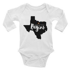 Texas Begins Long Sleeve Bodysuit Heather White, Shades Of White, Long Sleeve Bodysuit, Cotton Thread, Texas, Cute Outfits, Pineapple, Sleeves, Baby