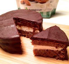 Lækker sukkerfri og glutenfri honningkage - uden honning. Perfekt til dig der lever efter low carb eller LCHF principperne.