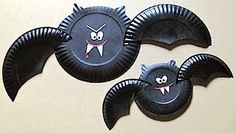 FUENTE: http://craftyjournal.com/paper-plate-vampire-bat/        FUENTE: http://pagingsupermom.com/2013/10/eyeball-door-garland-...