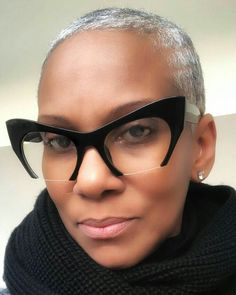 Funky Glasses, Girls With Glasses, Glasses Frames, Natural Hair Styles, Short Hair Styles, Lunette Style, Fashion Eye Glasses, Wearing Glasses, Great Hair