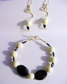 Wire wrapped Jewelry Set, Bracelet Earrings, Black and white vintage beads $10.00