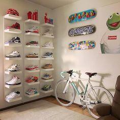 Bedroom Setup, Room Design Bedroom, Room Ideas Bedroom, Home Room Design, Diy Bedroom Decor, Shoe Room, Shoe Wall, Hypebeast Room, Aesthetic Room Decor