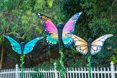 Home And Family Crafts, Home And Family Tv, Home And Family Hallmark, Hallmark Homes, Spray Paint Wood, Puff Paint, Diy Butterfly, Outdoor Fun, Outdoor Stuff