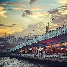 Galata Köprüsü Istanbul Turkiye Turkey Travel, Beautiful Places In The World, Istanbul Turkey, Sydney Harbour Bridge, Cool Places To Visit, The Good Place, Cool Pictures, Around The Worlds, Europe